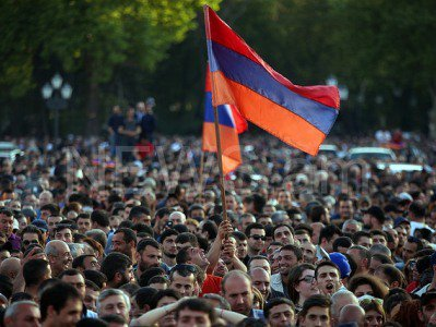 Альберт Погосян: Армянский народ сумел мирно изменить политический ландшафт страны